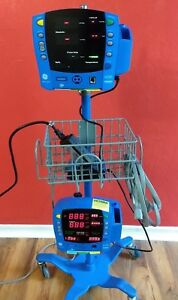 Ge Carescape Dinamap V100 Vital Signs Monitors Rolling Stand