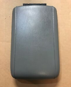 03 06 Ford Expedition Factory Front Center Console Arm Rest Lid Oem Grey