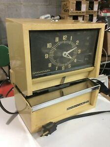 Vintage Cincinnati Time Clock Recorder Works No Keys Good
