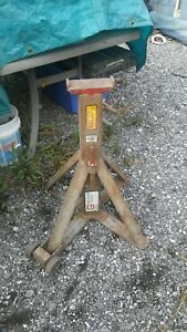 Pair Of Gray 10 Ton Jack Stands
