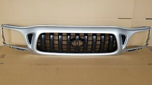 New 2001 2004 Toyota Tacoma 2wd Front Bumper Radiator Grille Silver