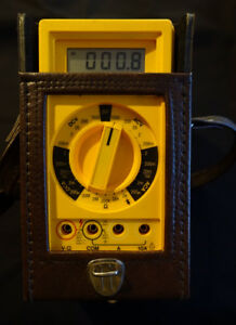 Used Beckman Industrial Hd140b Digital Multimeter With Case Excellent Condition