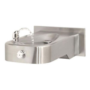Barrier free Ada Haws Wall Mounted Drinking Fountain Lot Of 1