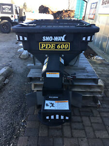 New Blow Out Sno way Poly V box Salt Spreader Sander Auger 3 4 Yard Pde600
