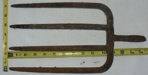 Antique Primitive 4 Tine Hay Pitch Fork Head Farm Tool Country Rustic Decor
