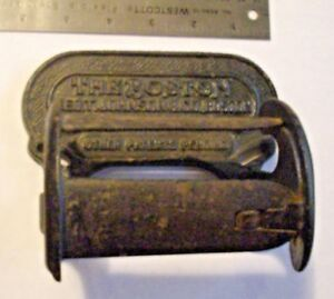The Boston 1902 Antique Cast Iron Toilet Paper Holder