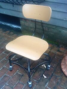 Vintage Toledo Drafting Stool On Wheels Fixed At 16 High No Adjustment Nice