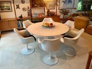 Knoll Tulip Pedestal Dining Set By Eero Saarinen Cast Iron Base Table