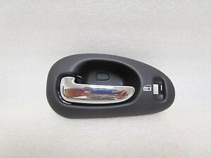 2006 Chrysler 300 Dodge Charger Magnum Left Front Door Handle 05102844aa
