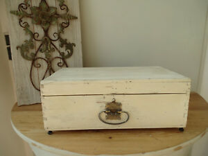 S2740 Old Wood Chest Wooden Box Shabby Chic White Suitcase Vintage