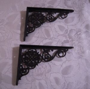2 Cast Iron Decorative Antique Scroll Corner Trim Brackets Shelf Or Gingerbread