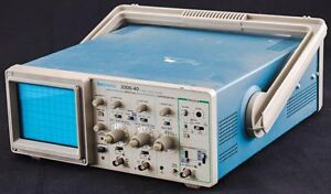 Tektronix 2205 40 Portable Benchtop 40mhz 2 channel Oscilloscope