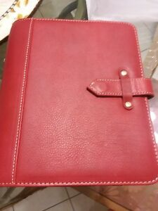 Franklin Covey Red Cl New Aurora Vintage Binder Planner