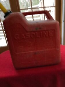Vintage Chilton P60 Vented Gas Can 5gallon Red Plastic Gas Can With Spout