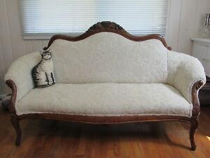 Antique Vintage Victorian Loveseat Sofa Settee Couch W Carved Walnut Wood