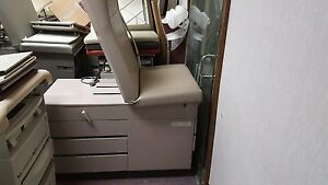 Midmark ritter 304 Medical Exam Table 3 Avaliable Beige Good Condition