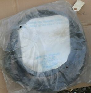 1957 1958 1959 1960 Ford Truck Small Back Window Rubber Seal B7c 8142084