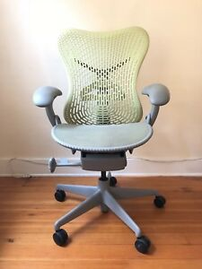 Herman Miller Mirra 1 Chair Rare Citron Smoke Color Excellent Condition