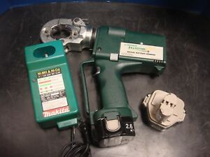 Greenlee Ek22gl Gator Plus 6 Ton Cordless Hydraulic Crimper Set Battery Charger