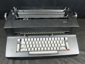 Vintage Ibm Selectric Ii Electric Typewriter nice Black Color Non working