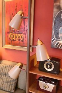 Vintage Atomic Mcm Tension Pole Lamp With 3 Metal Cone Lights