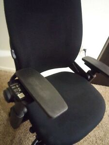 Executive Chair By Steelcase Leap V2 In Black Great Shape Clean Pick Up