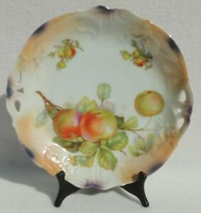 Hand Painted Scalloped Reticulated Pierced Fruit 8 Hanging Wall Plate 4132