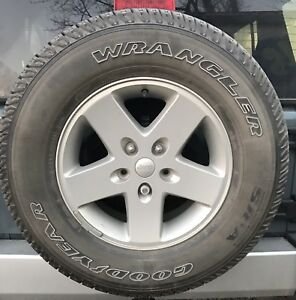 Set Of Five Jeep Wrangler Goodyear 255 75 17 Tires And Alloy Rims