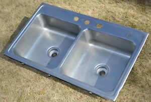 Elkay Commercial Stainless Steel 2 Compartment 16x16x6 5 Each Sink Nice