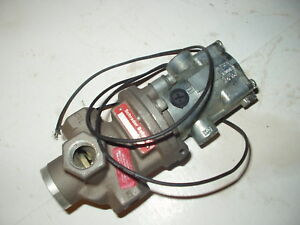 New Parker schrader Bellows N3553104553 3 8 Inline Valve With 120v Solenoid