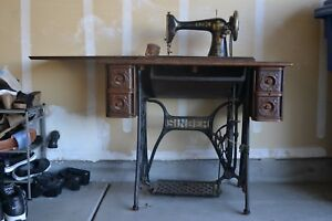 1906 Singer Model 27 Treadle Sewing Machine 5 Drawers