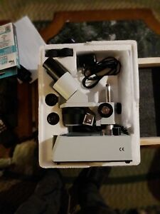 Amscope Se306r py led Microscope With Extra Eyepieces