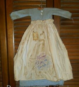 Primitive Wall Dress Always Kiss Me Goodnight Blue W Apron Grungy Valentine