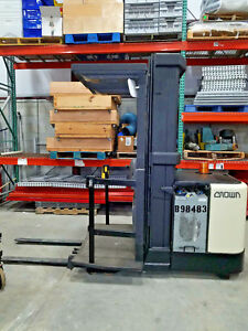Crown Sp3040 30 Electric Order Picker Forklift 24v 3000lb 210 3 Stage Mast