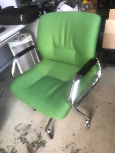 Steelcase Swivel Office Arm Chair Mid Century Vintage 454312 Chrome