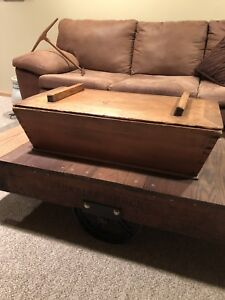 Primitive Antique Wooden Dough Box With Lid Gorgeous Dovetail Work
