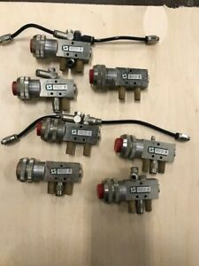 Pneumax 105 52 7 2 1 Pneumatic Push Button Lot Of 7 Pieces Price Reduction