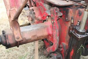 Antique Tractor International Farmall Super C Parting Out 2ea Lift Brackets