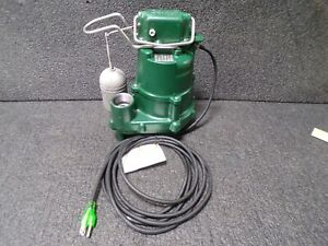Zoeller 1 2 Hp Submersible Sump Pump Integral Switch Type Cast Iron Base