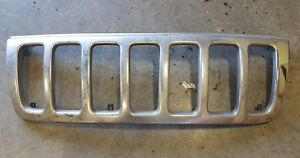 2001 Jeep Grand Cherokee Front Chrome Grille Trim Assembly Oem Used