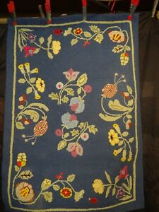 Old Folk Art Hooked Rug Stylized Flowers And Lady Bugs Great Colors 35 X 25