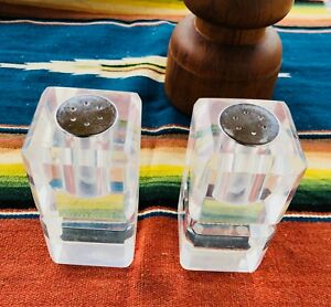 Mid Century Modern Lucite Acrylic Salt And Pepper Shakers 3 8 Inches Tall