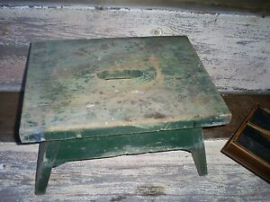 Antique Primitive Farm Country Painted Wood Foot Step Stool Bench Rest Milking