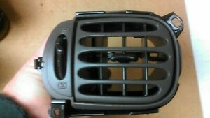 1997 2003 Ford F150 Expedition Left Side Driver Dash Air Heat Ac Vent Grey