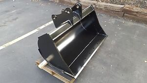 New 48 Ditch Cleaning Bucket For A John Deere 310g