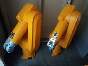Staubli Rx60l Robot Arms With Cs7mb Controller Freight Available