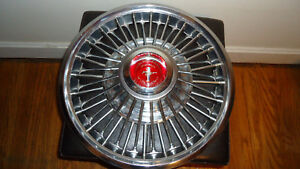 Mustang Wire Hubcap Red Center