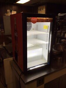 Table Top Glass Display Drink Cooler Refrigerator