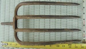 Vintage 4 Tine Prong Pitch Hay Fork Primitive Farm Tool