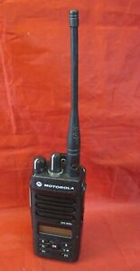 Motorola Xpr3500e Uhf 403 512 Mhz 4w Portable Two Way Radio W Battery And Clip